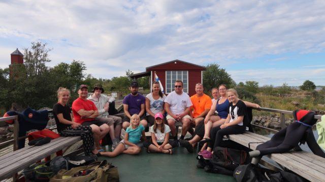 Viikonlopun ryhmä rämä Ida, Petri, Jouni, Simon, Taina, Pauli, Harri, Vesku, Paula, Elisa (Ylärivissä vasemmalta) Iiris ja Ella (Alarivissä).